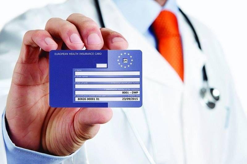 Darmową opiekę medyczną podczas wakacji? Zwrot pieniędzy z NHS